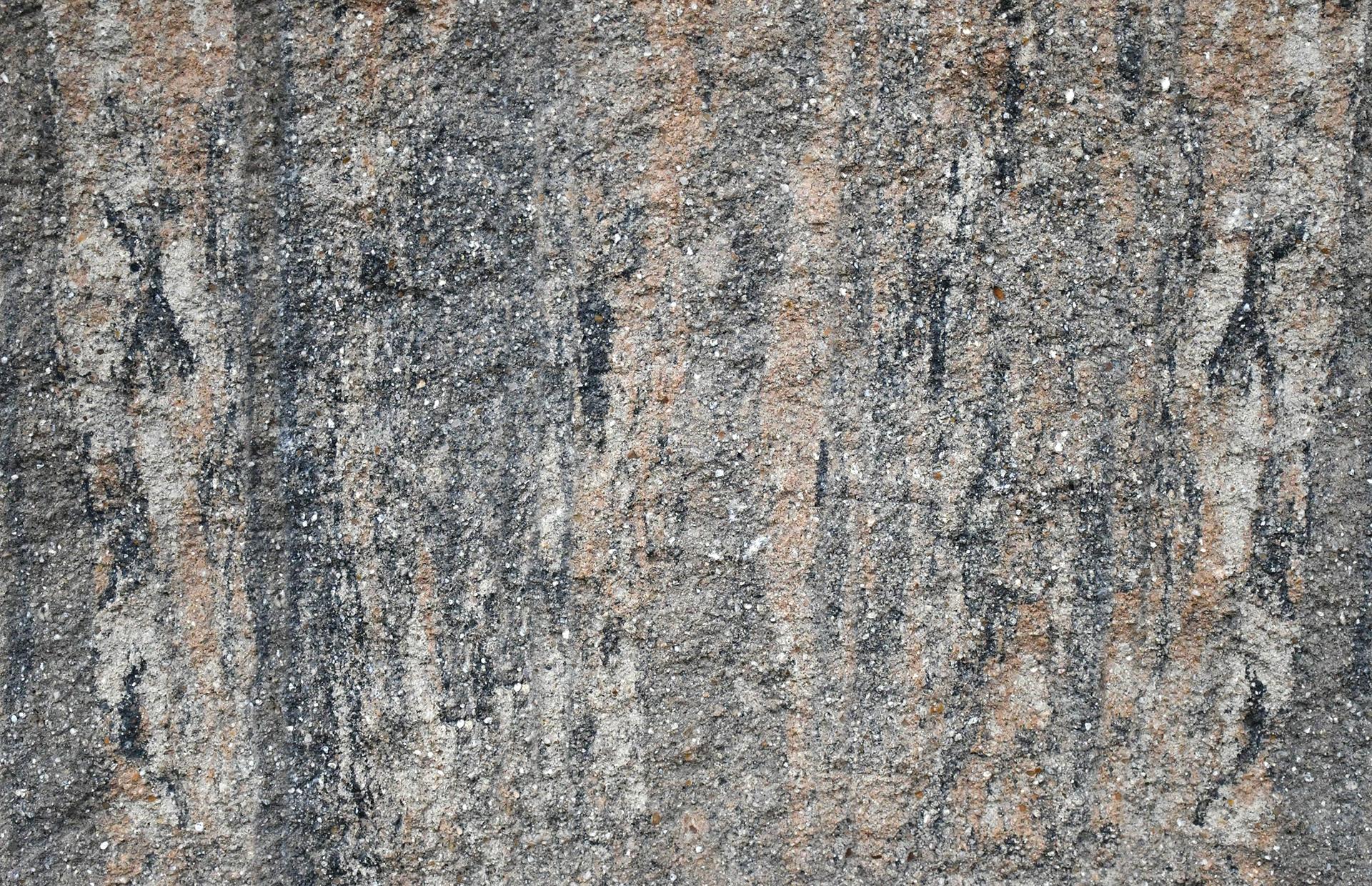 Pyrit lámaný kameň